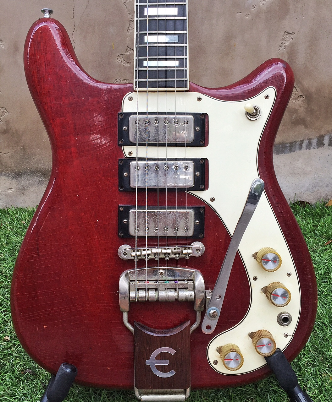 epiphone crestwood deluxe 1965 cherry red. Black Bedroom Furniture Sets. Home Design Ideas