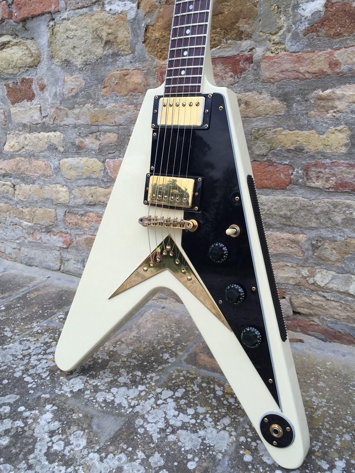gibson flying v heritage reissue 58 ff82 1982 white guitar for sale. Black Bedroom Furniture Sets. Home Design Ideas
