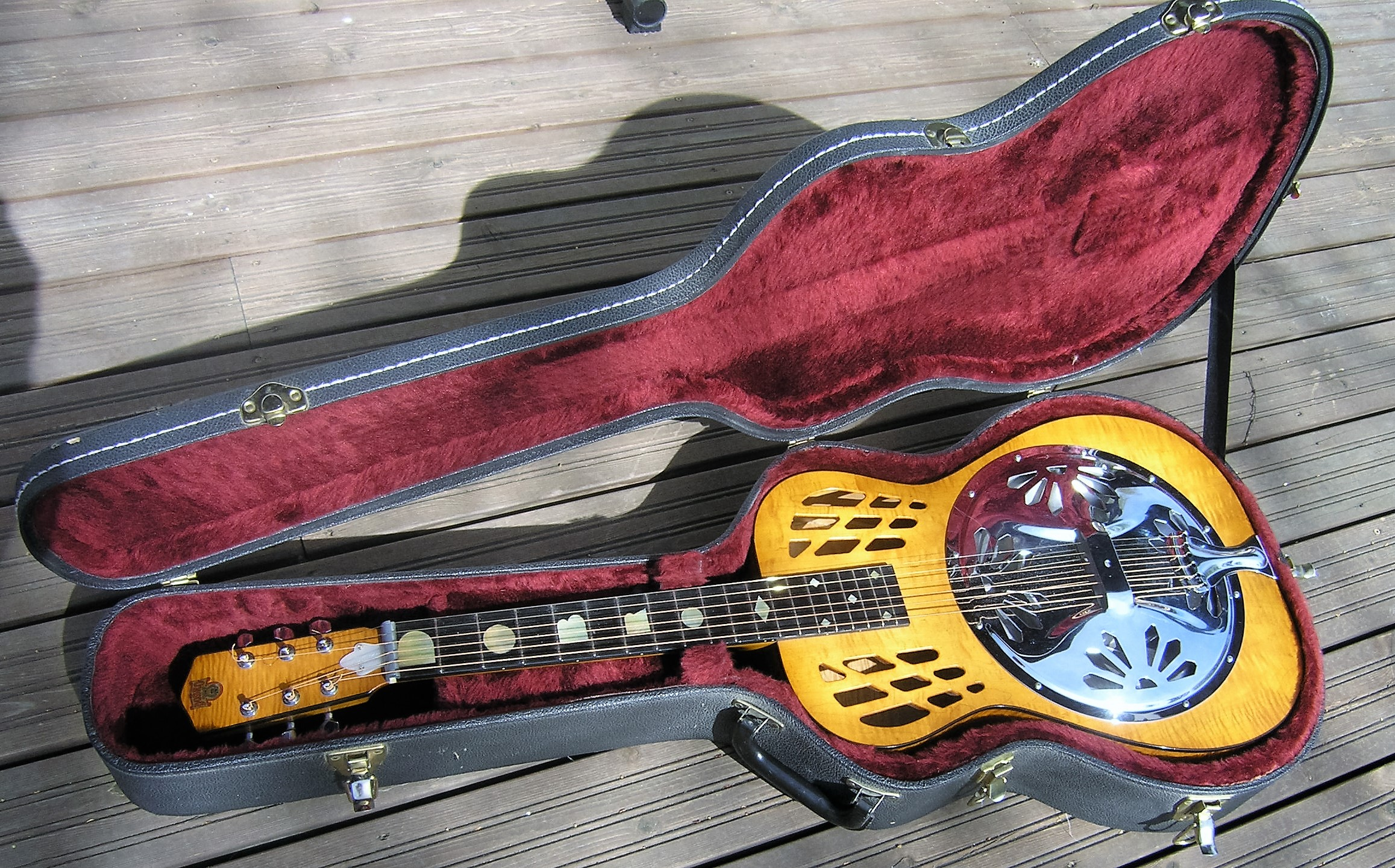 dobro zephyr round neck wood body 1990 sunburst guitar for sale. Black Bedroom Furniture Sets. Home Design Ideas