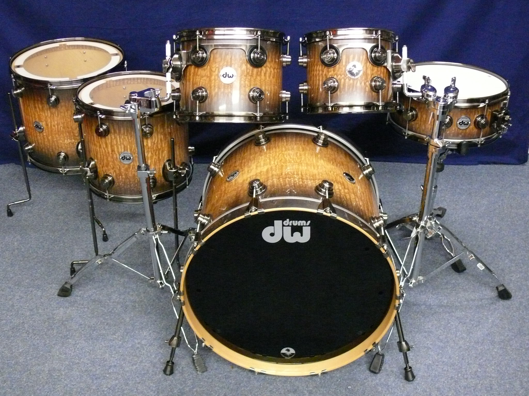 dw 40th anniversary limited edition drumset 2011 candy black pearlescent burst over exotic tamo. Black Bedroom Furniture Sets. Home Design Ideas