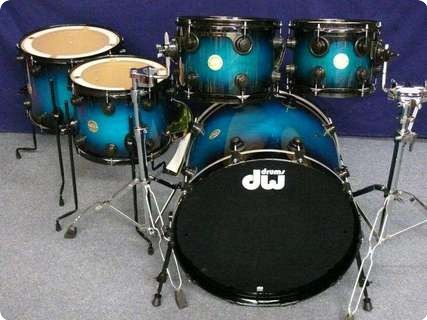 Dw Dw Collector's Laquer Specialty Drumset 2012 Regal Blue To Black Burst