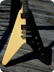 Gibson FLYING V 1985 Black And White Finish