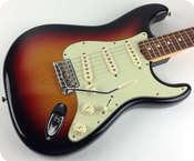 Fender 62 Reissue AVRI Stratocaster 2006 Sunburst