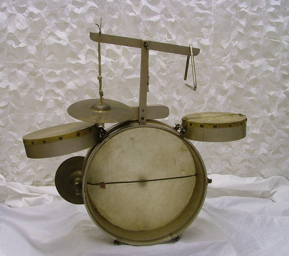 Vintage childs drum kit cased 1920 39 s wood drum for sale for Classic house drums