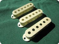 Fender STRATOCASTER PICKUP COVERS 1964