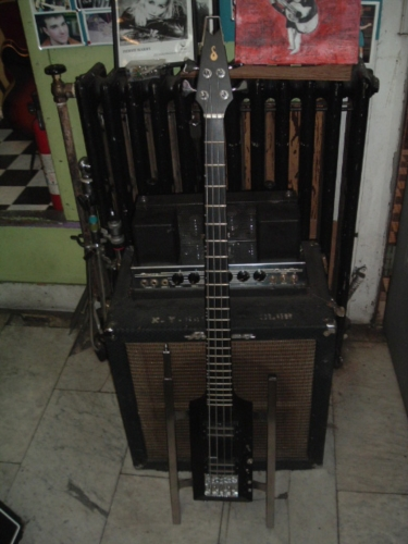 sardonyx bass 1974 black bass for sale chelsea guitars. Black Bedroom Furniture Sets. Home Design Ideas