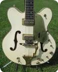 Gibson White Falcon Double Cutaway 1969 White
