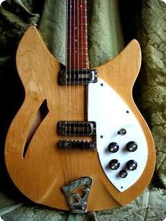 Rickenbacker 330 1966 Mapleglo
