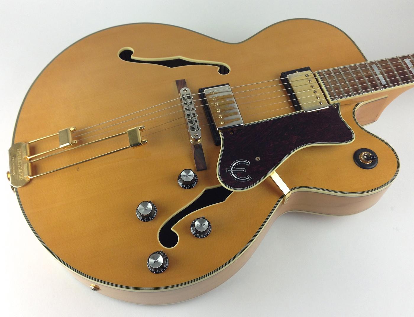 epiphone broadway 2002 natural guitar for sale thunder road guitars. Black Bedroom Furniture Sets. Home Design Ideas