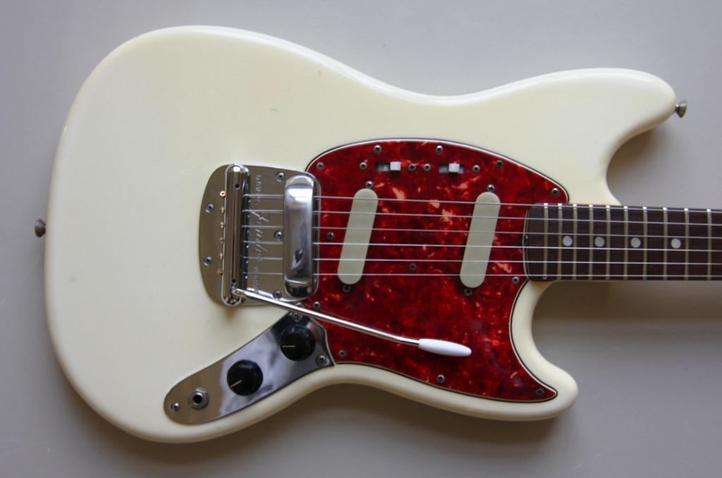 fender mustang 1966 blond guitar for sale classic rock guitars. Black Bedroom Furniture Sets. Home Design Ideas