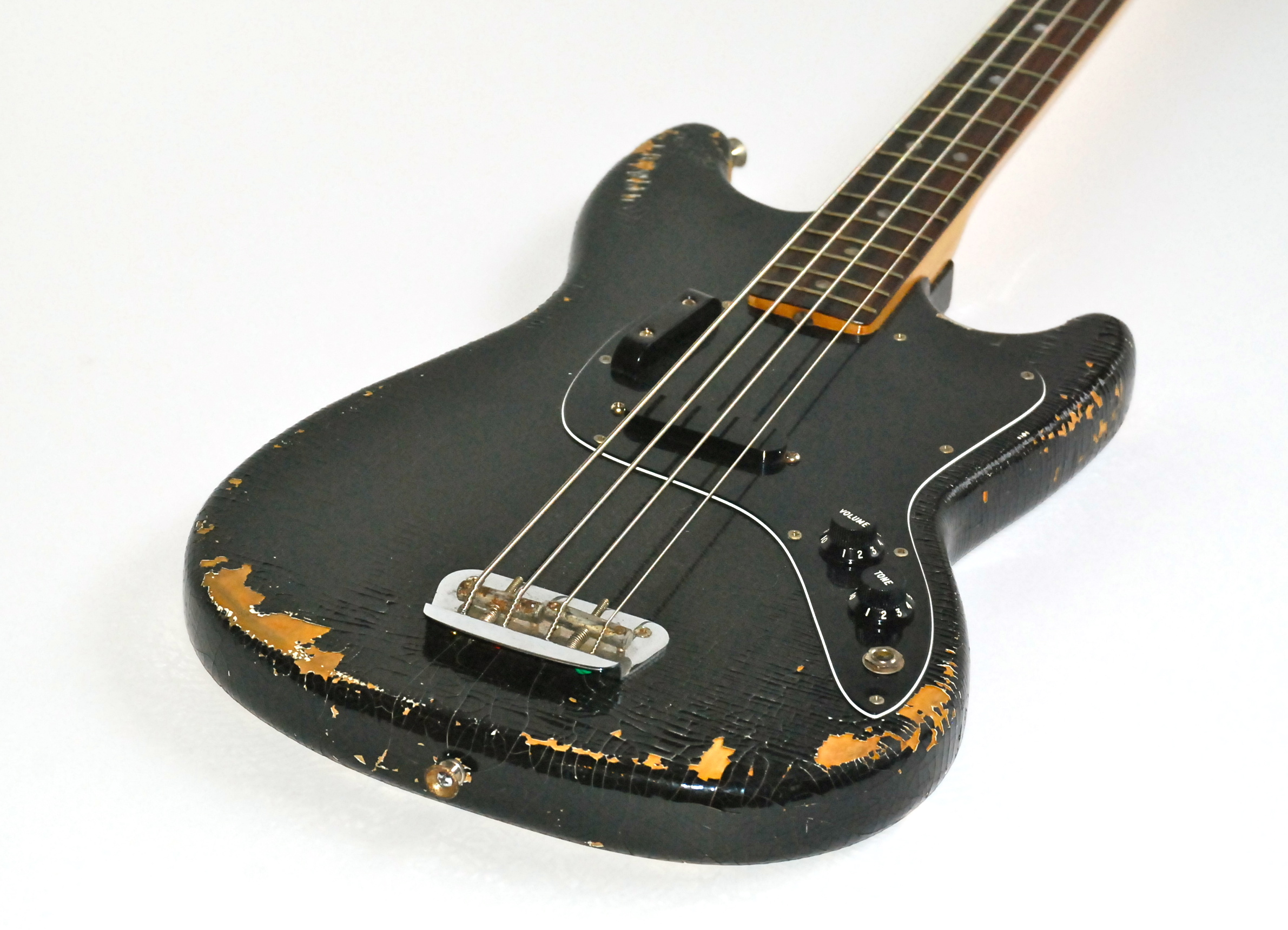 dating fender musicmaster bass Besides, no article in the dating fender amps by serial number series would be  this is similar to the early '50s telecaster and precision bass having their own unique serial number system .