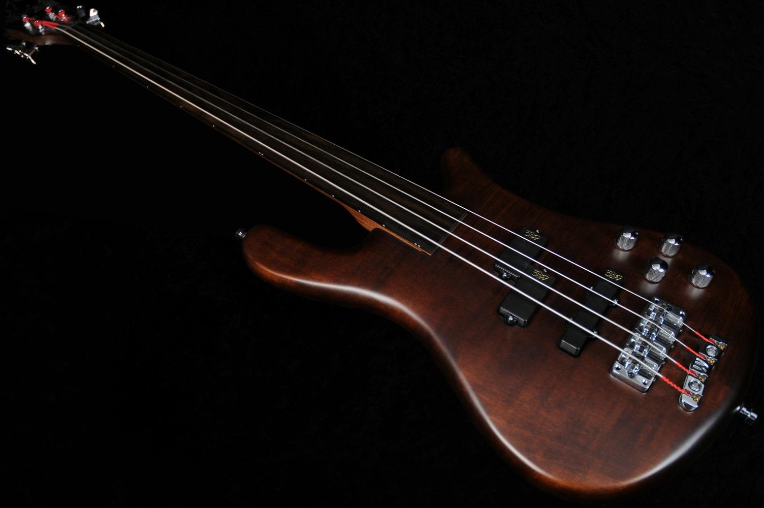 warwick streamer lx 4 string fretless bass guitar antique tobacco oil used 2008. Black Bedroom Furniture Sets. Home Design Ideas
