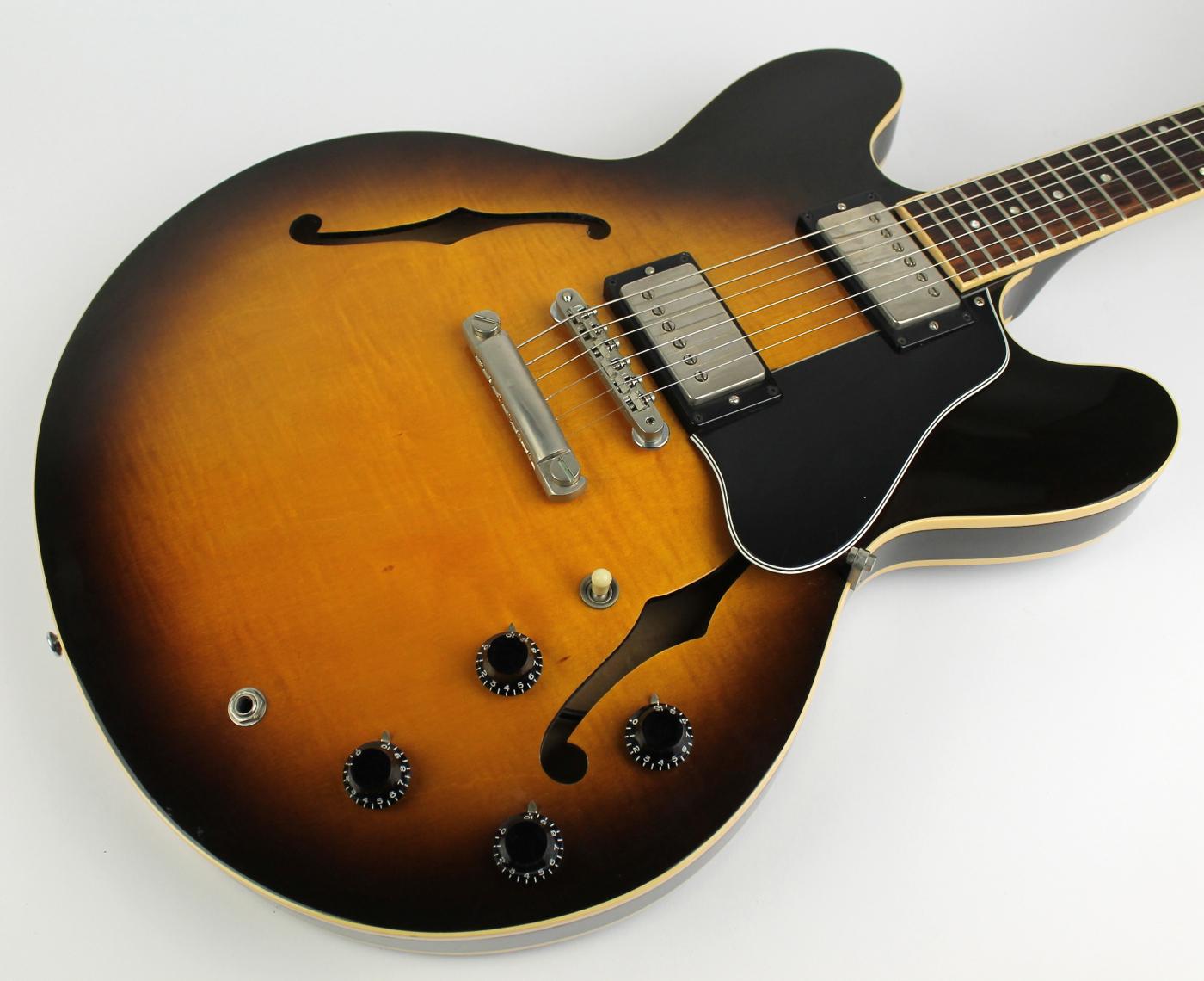 gibson es 335 dot 1991 sunburst guitar for sale thunder road guitars. Black Bedroom Furniture Sets. Home Design Ideas