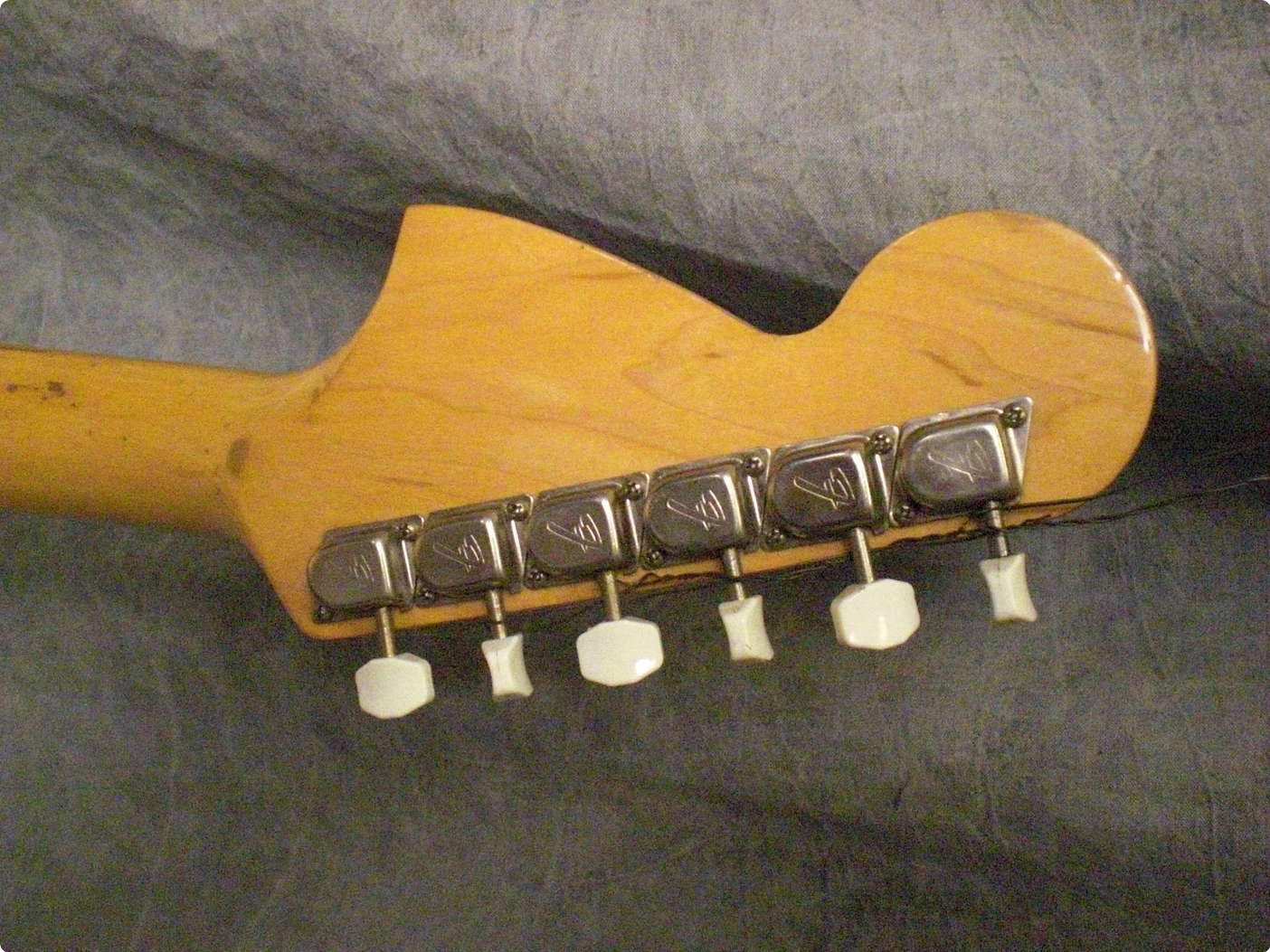 fender mustang 1970 sunburst guitar for sale twang. Black Bedroom Furniture Sets. Home Design Ideas