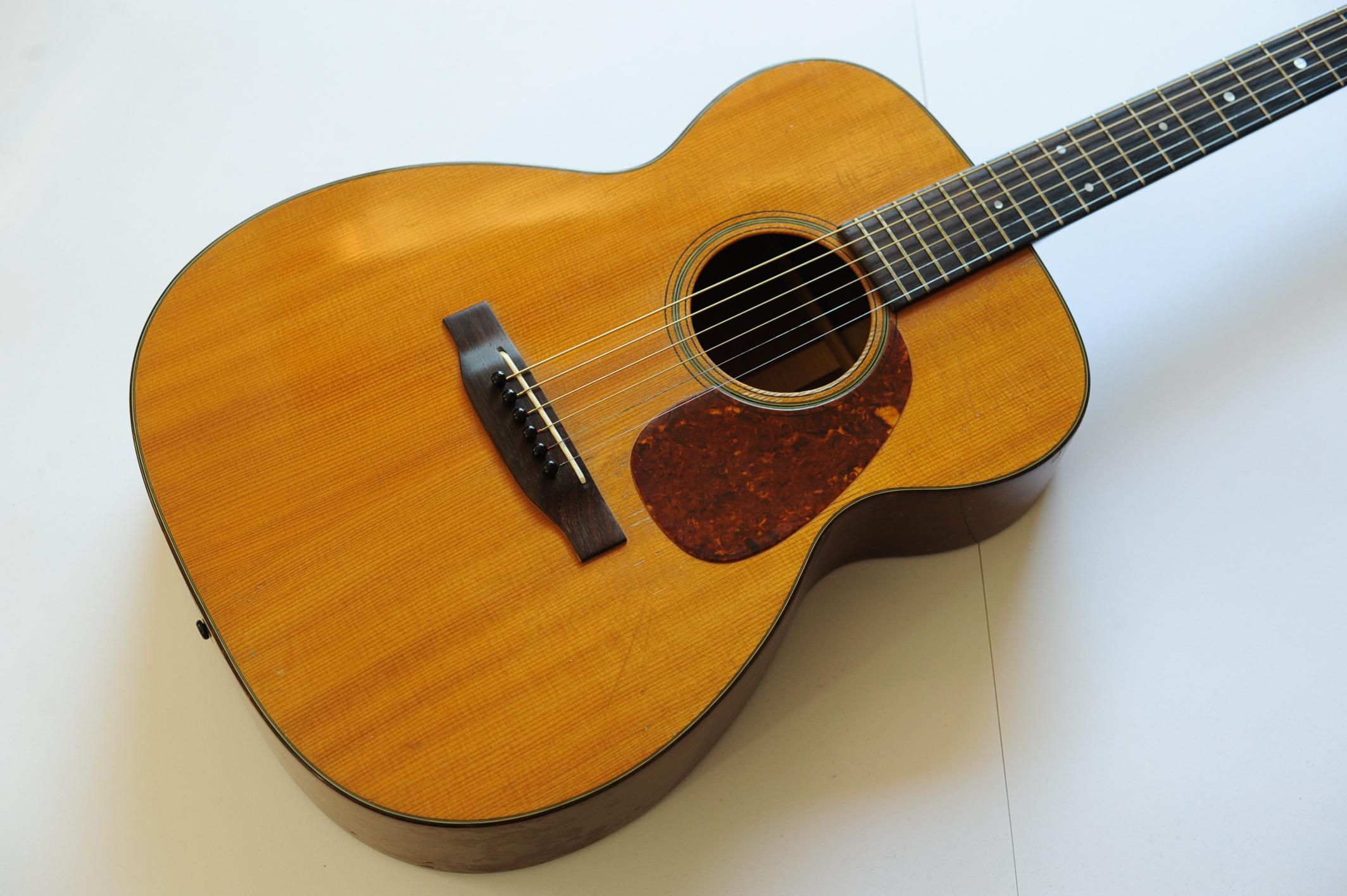 martin 00 18 1956 guitar for sale guitaravenue ltd. Black Bedroom Furniture Sets. Home Design Ideas