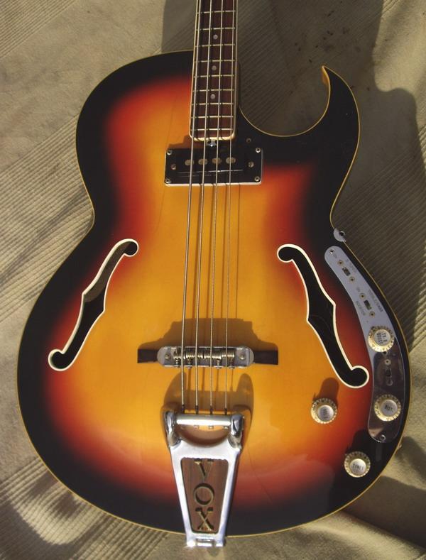vox apollo iv 1966 sunburst bass for sale hendrix guitars. Black Bedroom Furniture Sets. Home Design Ideas