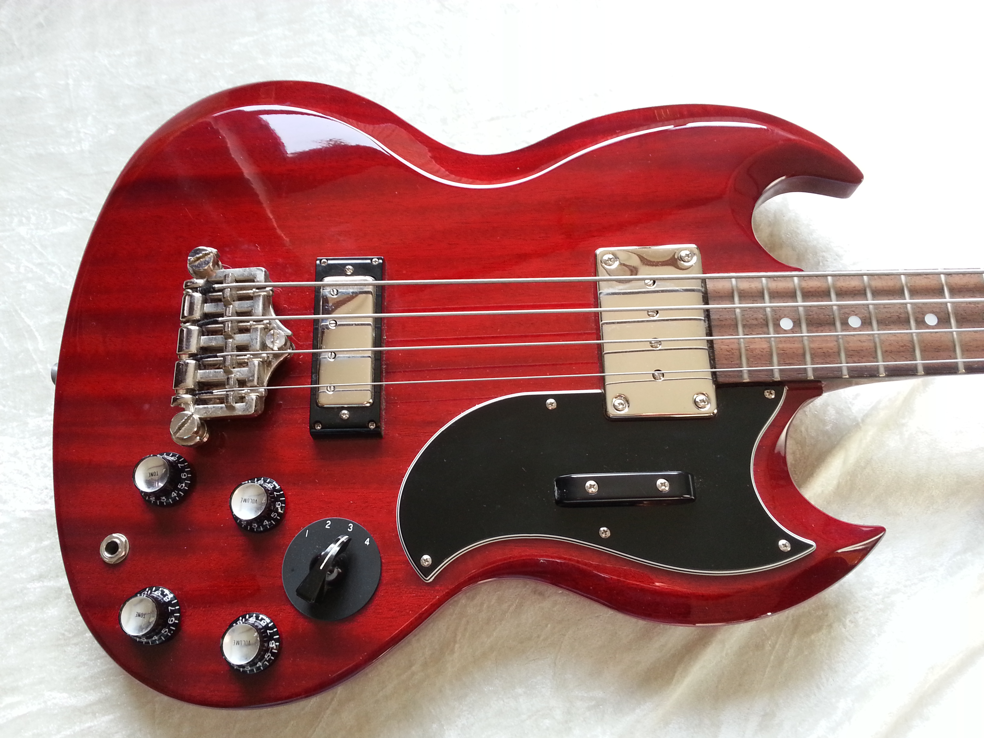 epiphone elite gibson eb3 elite 2003 cherry red bass for sale cotswold bass guitars. Black Bedroom Furniture Sets. Home Design Ideas