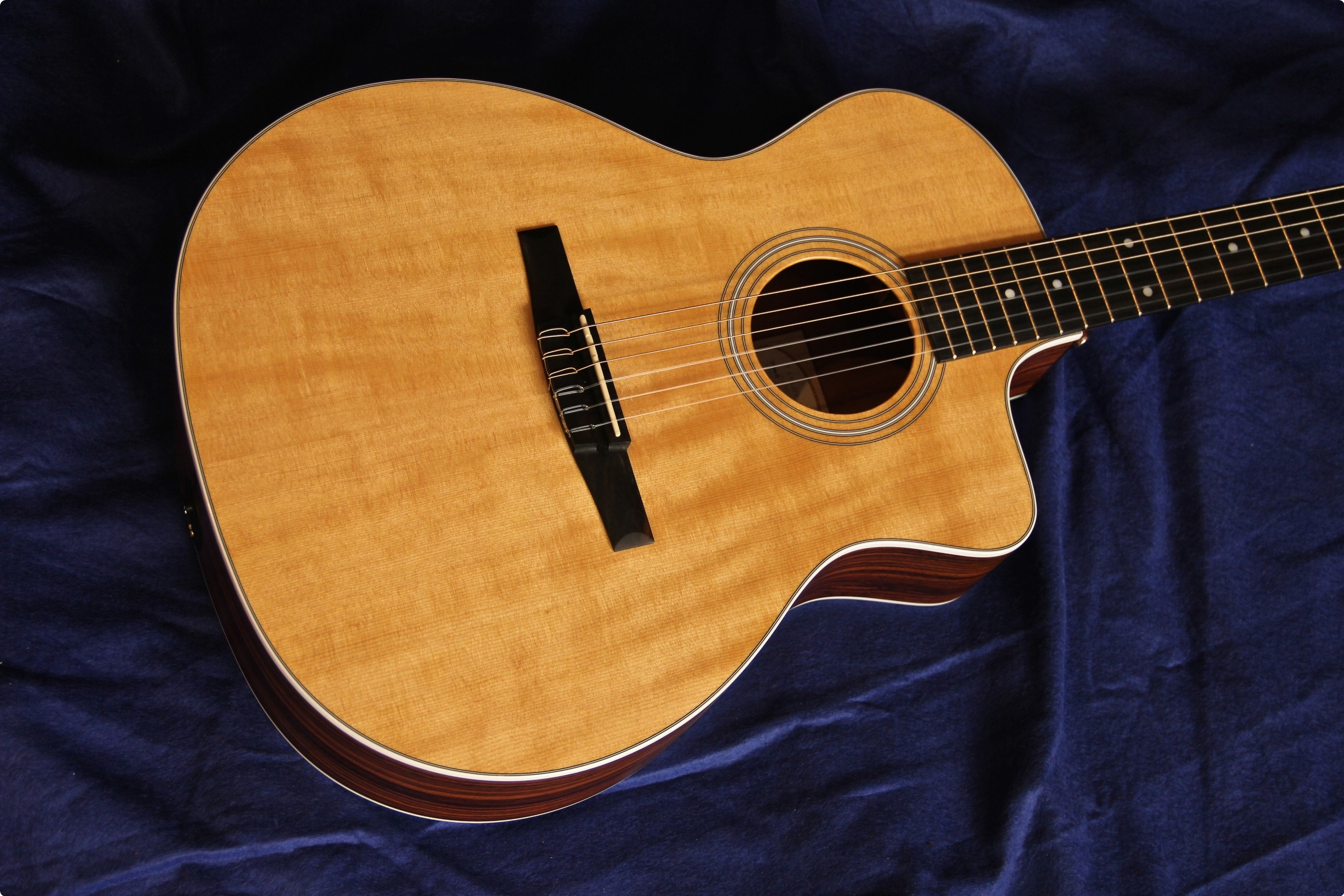 Taylor Guitars-214ce-N...
