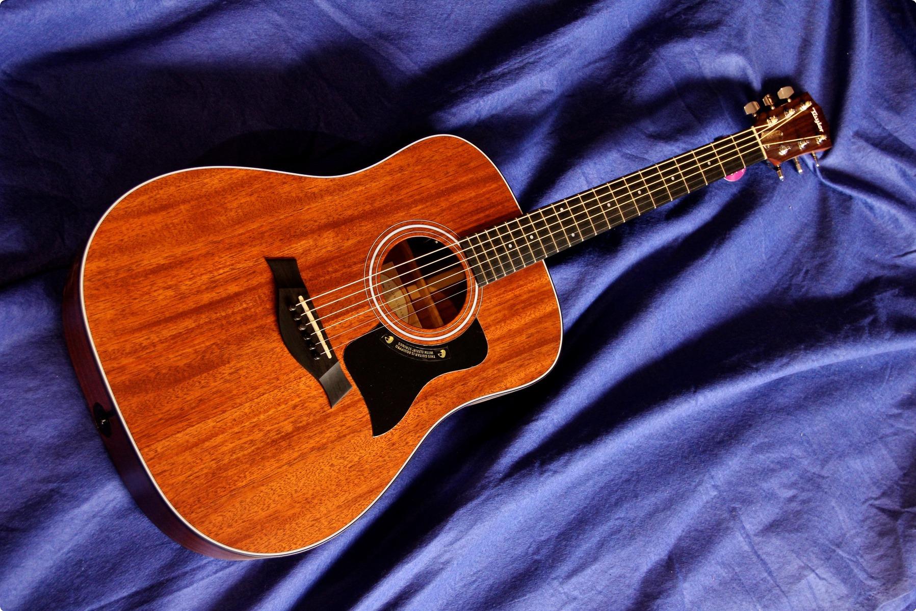 Taylor Guitars 320e 20...