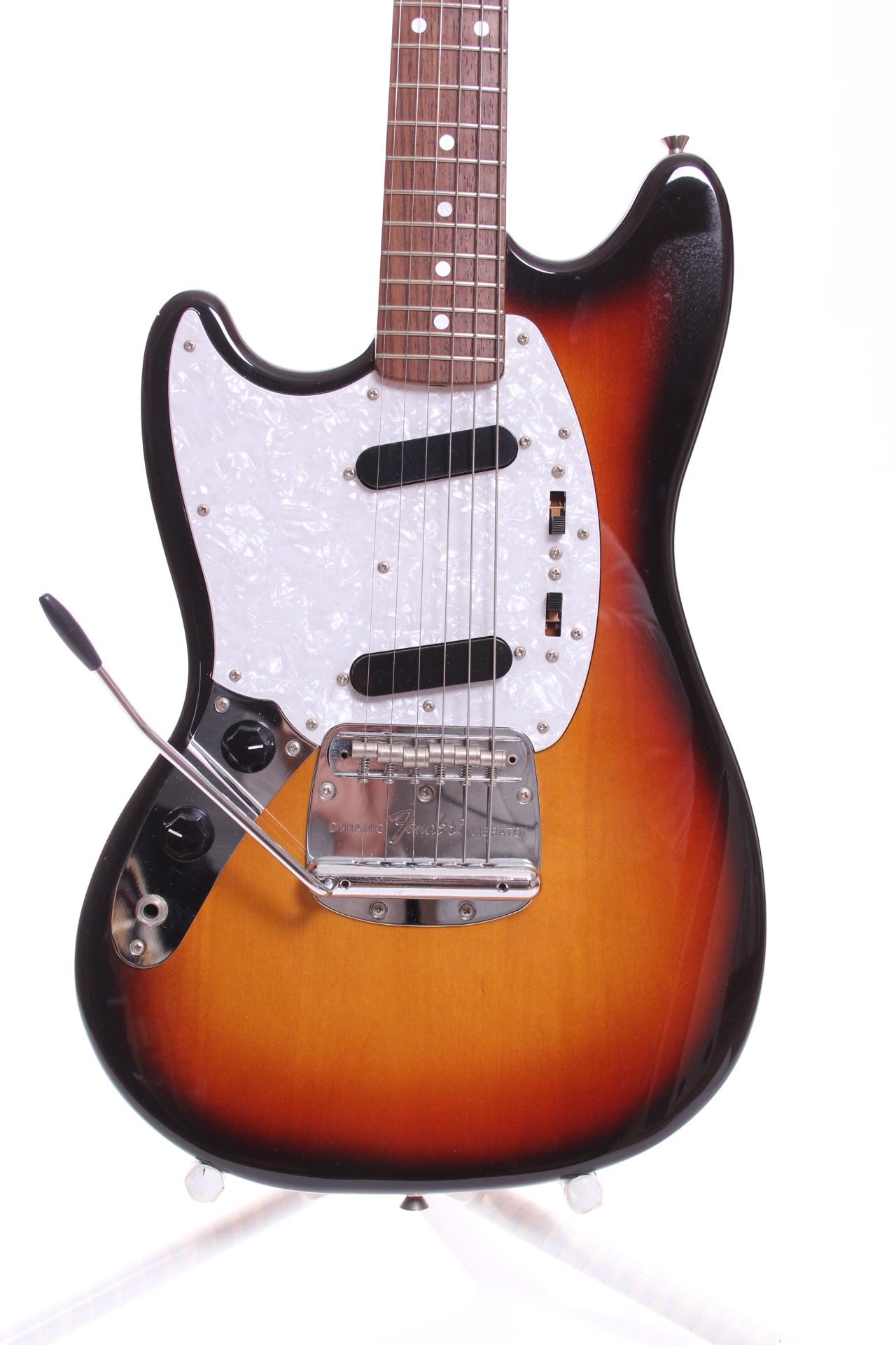 fender mustang 39 65 reissue 2008 three tone sunburst guitar for sale yeahman 39 s guitars. Black Bedroom Furniture Sets. Home Design Ideas