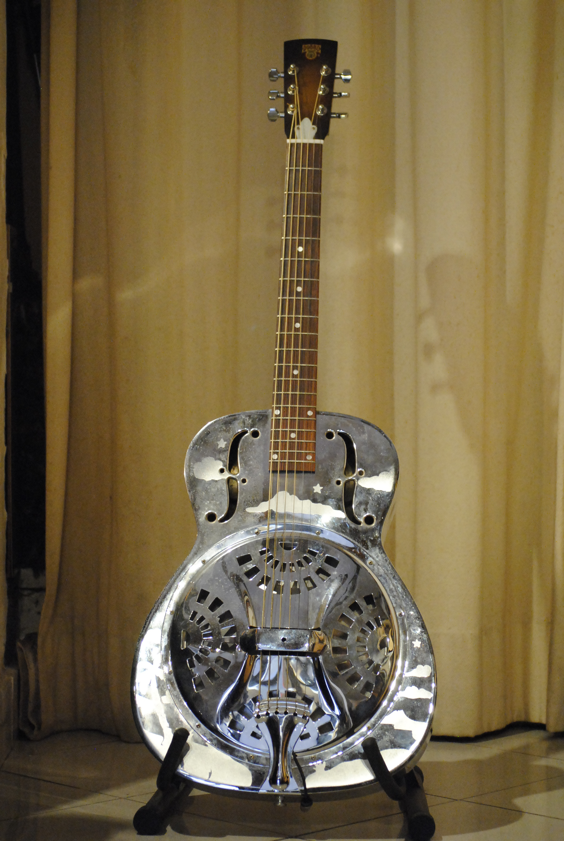 dobro h 33 1994 chrome steel guitar for sale rome vintage guitars. Black Bedroom Furniture Sets. Home Design Ideas