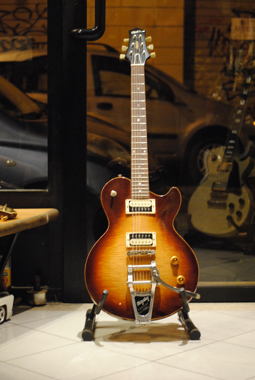 robin avalon robin avalon 1994 sunburst guitar for sale rome vintage guitars