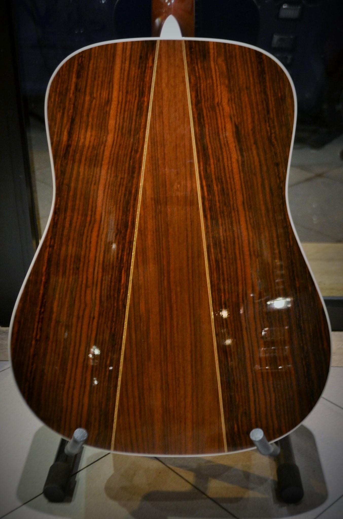 martin d35 sunburst 2013 sunburst guitar for sale rome vintage guitars. Black Bedroom Furniture Sets. Home Design Ideas
