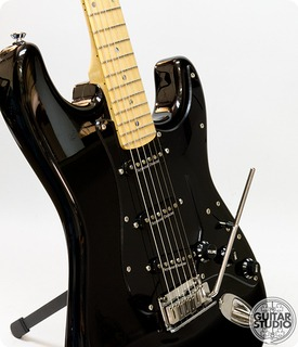 fender fender lite ash stratocaster 2005 black guitar for sale guitar studio. Black Bedroom Furniture Sets. Home Design Ideas