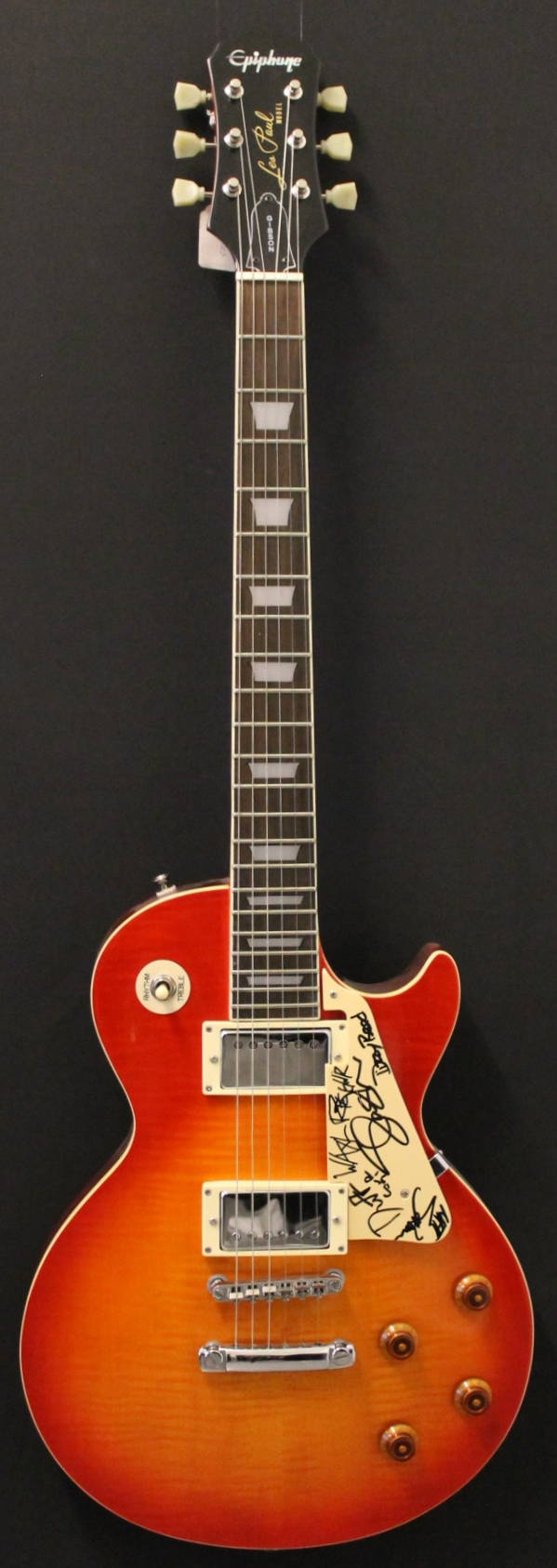 epiphone guns n roses autographed les paul 1991 guitar for sale kitarakuu. Black Bedroom Furniture Sets. Home Design Ideas