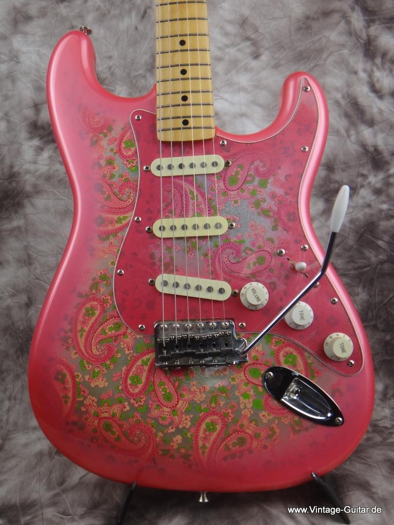 fender stratocaster pink paisley 1990 39 s pink paisley guitar for sale vintage guitar oldenburg. Black Bedroom Furniture Sets. Home Design Ideas
