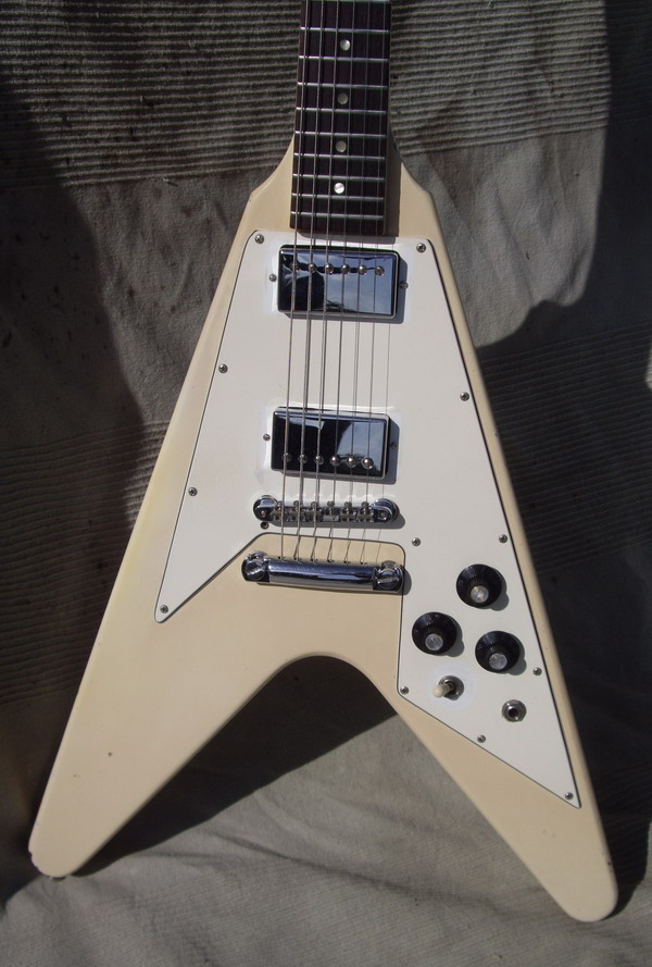 gibson flying v 1979 white creme guitar for sale hendrix guitars. Black Bedroom Furniture Sets. Home Design Ideas