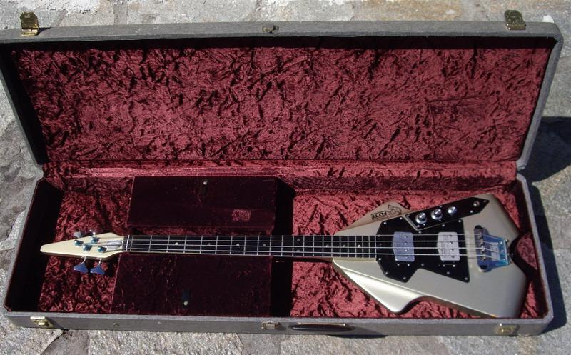 burns flyte bass 1974 metallic gray bass for sale hendrix guitars. Black Bedroom Furniture Sets. Home Design Ideas