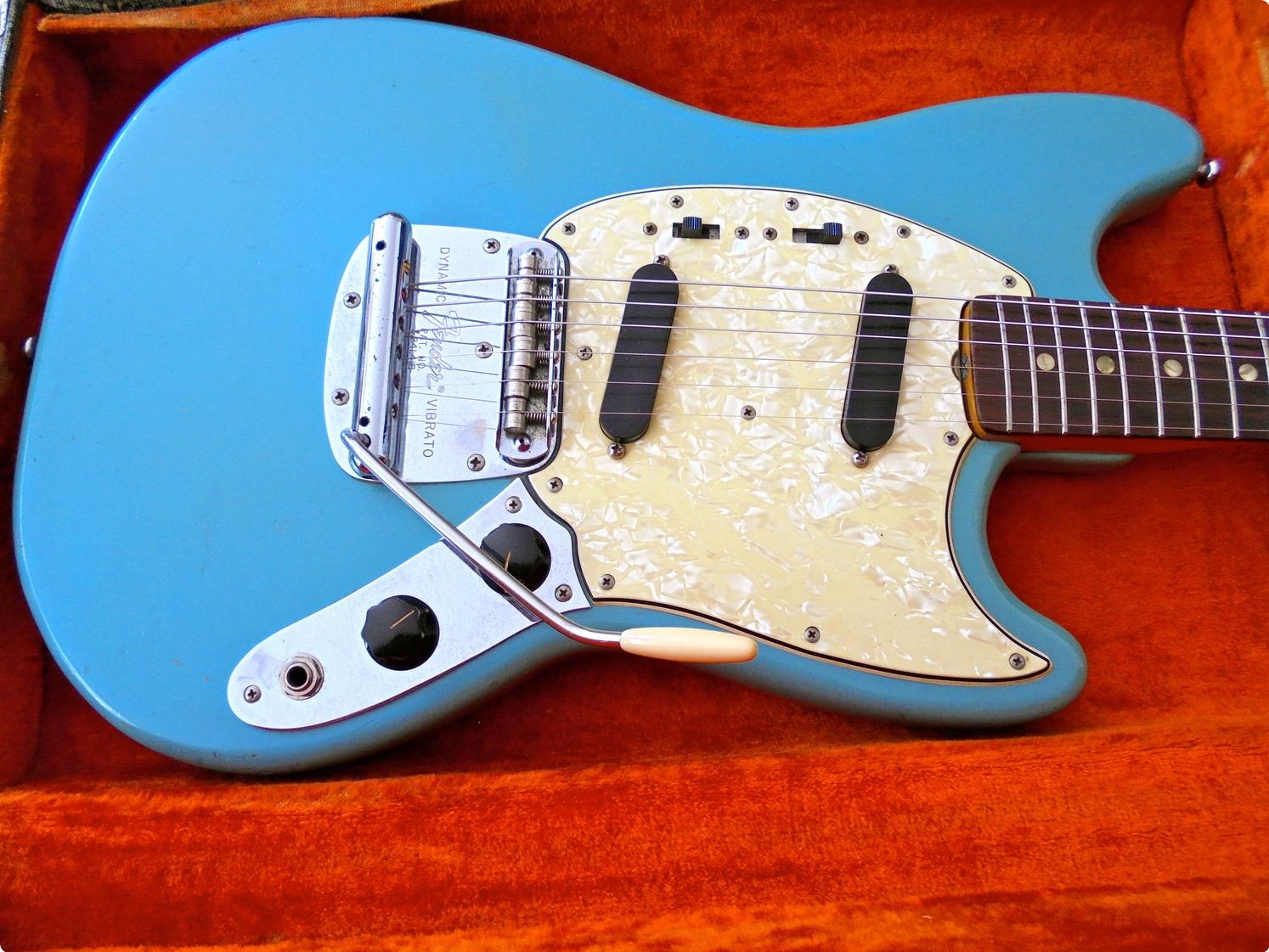 fender mustang 1966 daphne blue guitar for sale pascal waisapy guitars. Black Bedroom Furniture Sets. Home Design Ideas