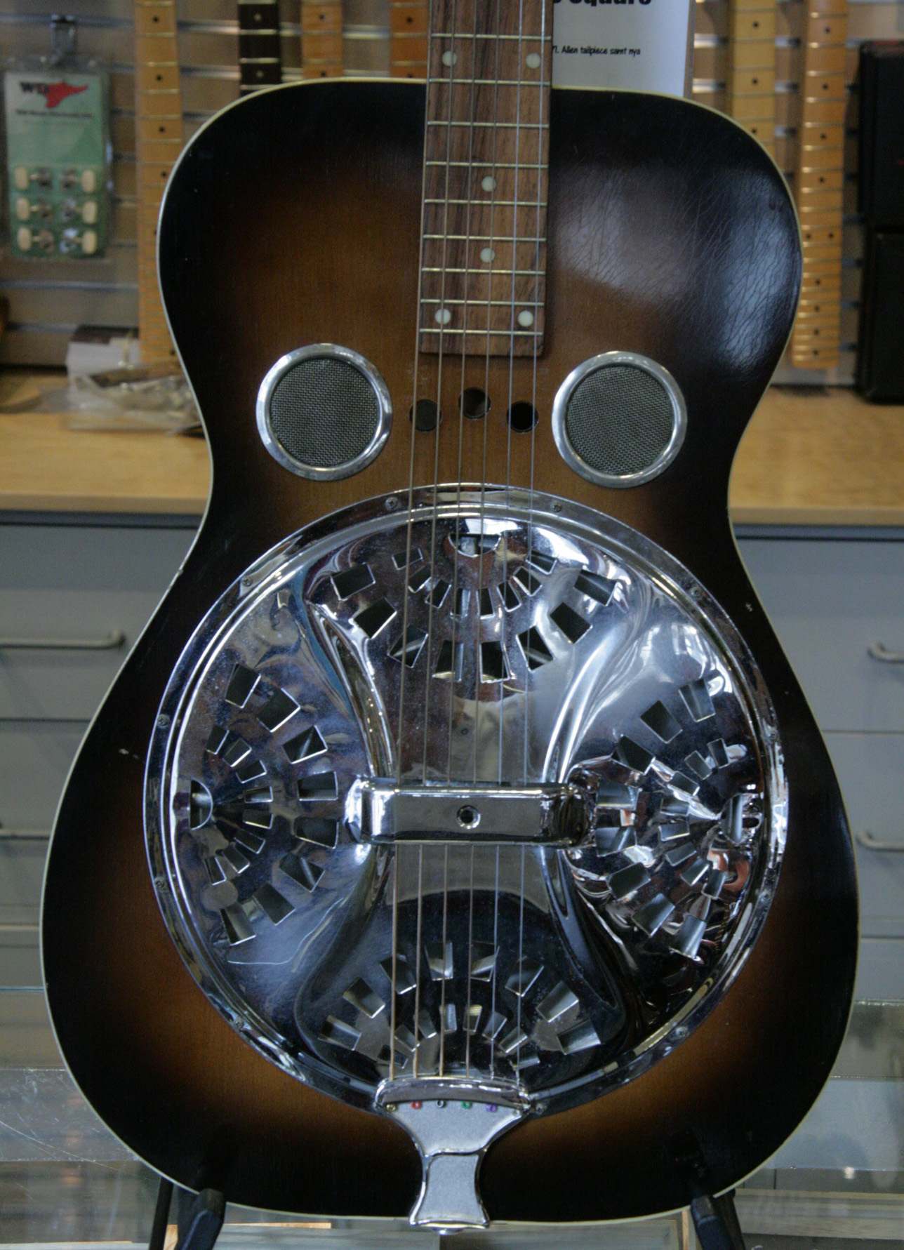 dobro dobro 1960 39 s guitar for sale no1 guitarshop. Black Bedroom Furniture Sets. Home Design Ideas