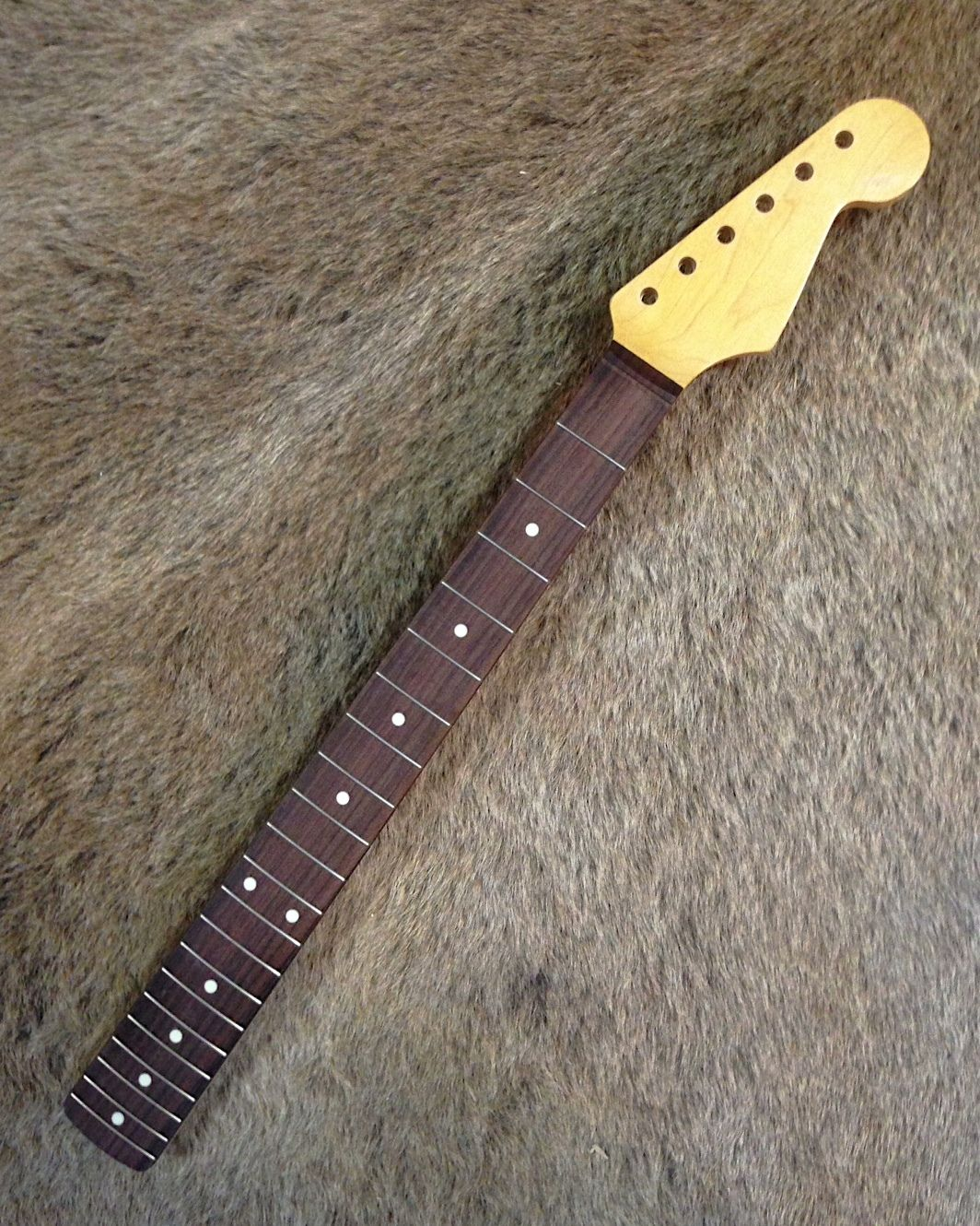 allparts fender lic 1962 69 strat neck aged by monster relic rare 2015 maple neck with. Black Bedroom Furniture Sets. Home Design Ideas