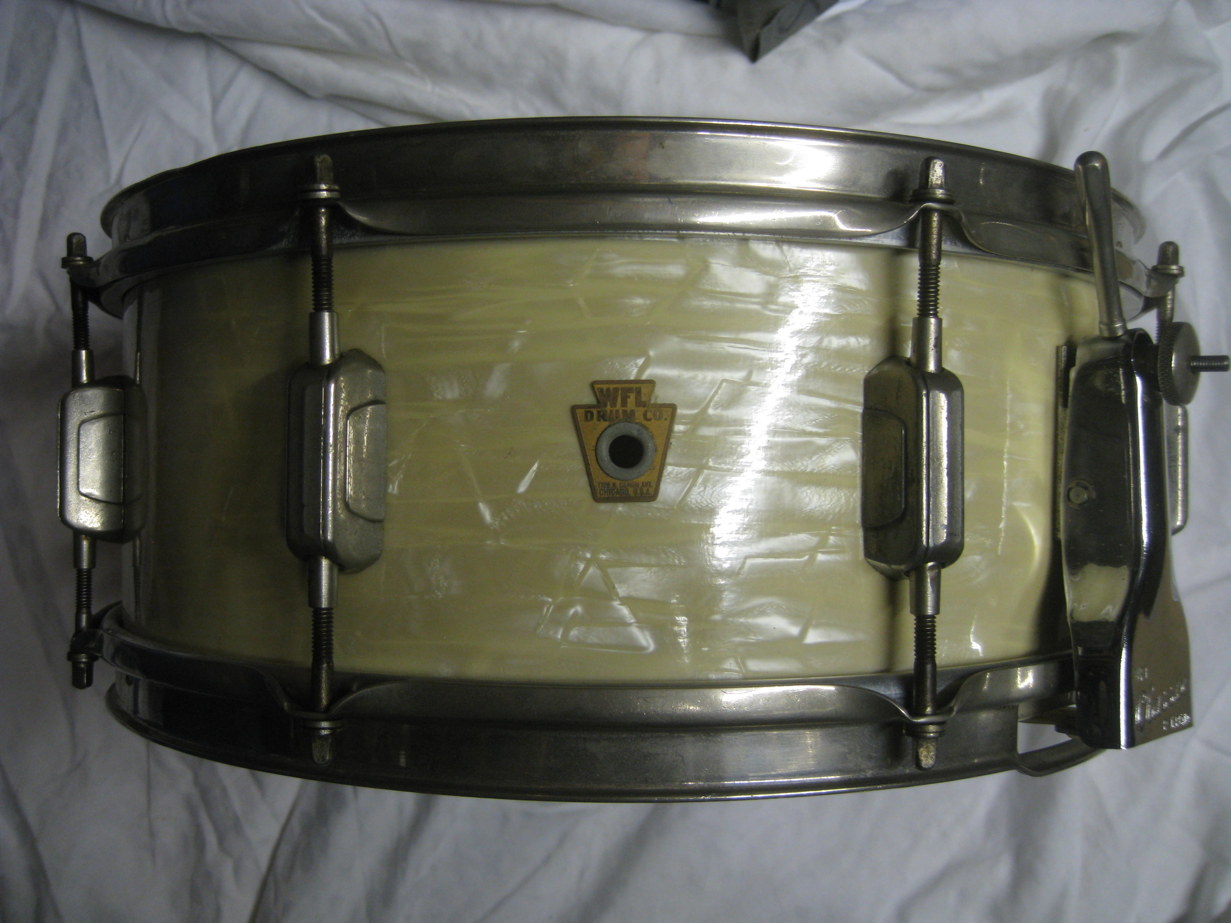 wfl ludwig snare drum 1956 white marine pearl drum percussion for sale harris hire. Black Bedroom Furniture Sets. Home Design Ideas