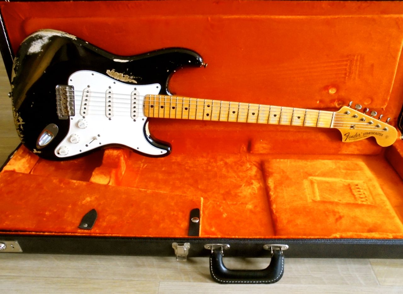 fender stratocaster 1968 custom shop heavy relic 2013 black guitar for sale pascal waisapy guitars. Black Bedroom Furniture Sets. Home Design Ideas