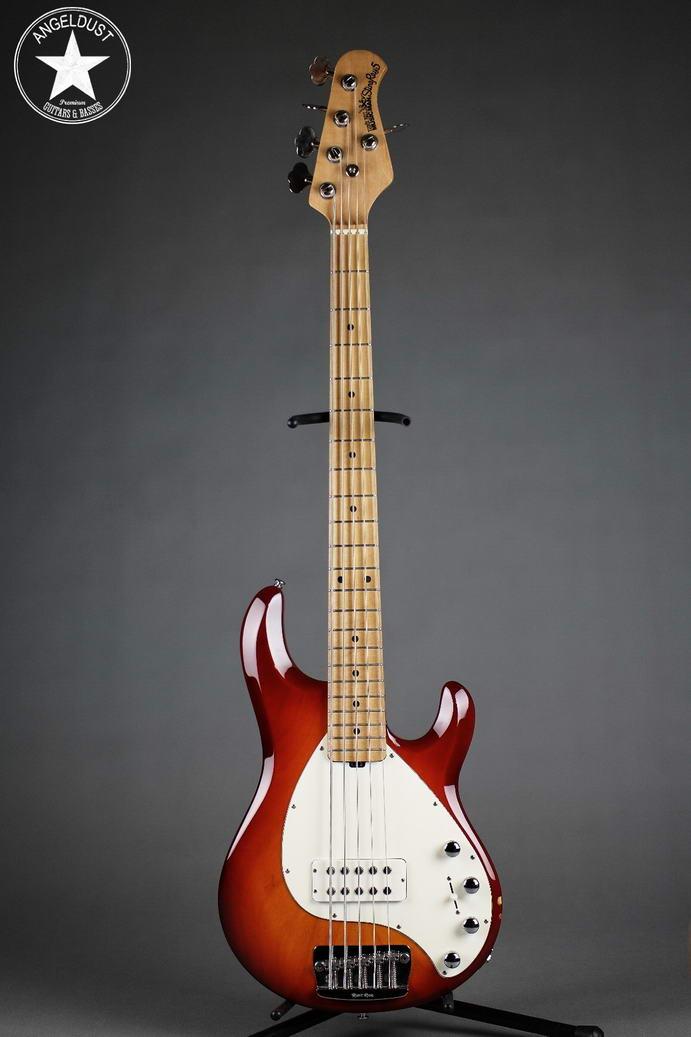music man stingray 2004 sunburst maple bass for sale angeldust guitars. Black Bedroom Furniture Sets. Home Design Ideas