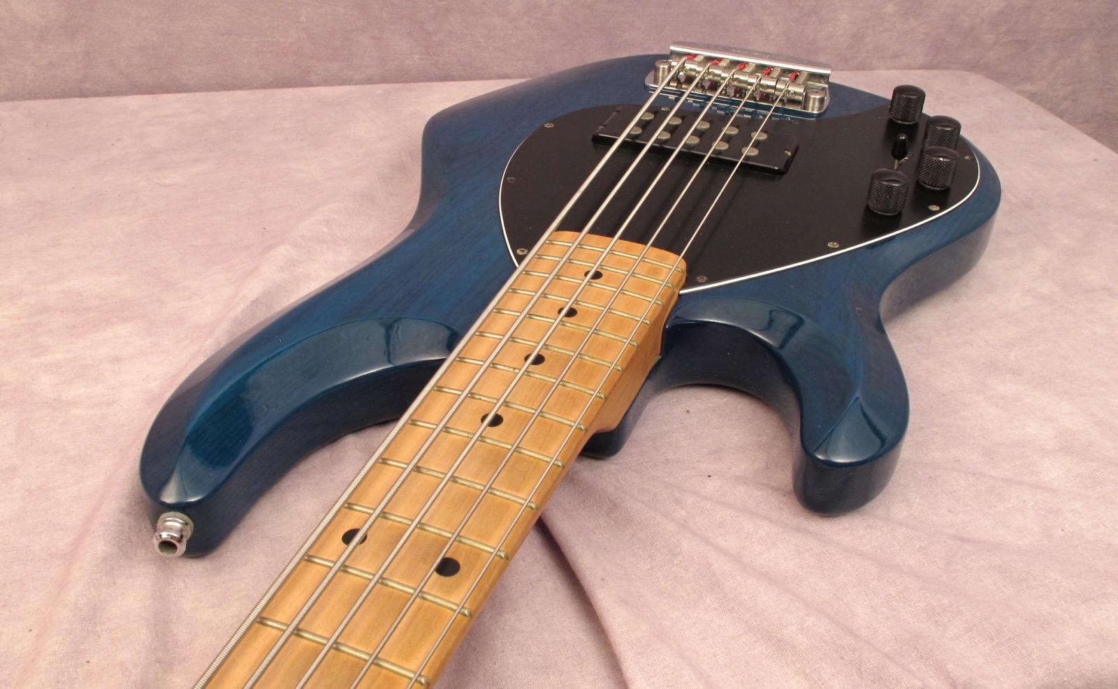 music man stingray 5 2000 teal green bass for sale andy baxter bass guitars ltd. Black Bedroom Furniture Sets. Home Design Ideas