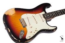 Fender Fender Custom Shop 2007 NAMM Limited Edition 1962 Stratocaster Heavy Relic 2007 3 Tone Sunburst