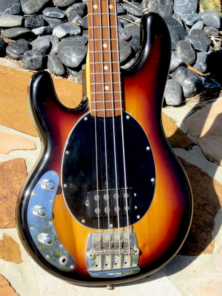musicman stingray dating Visit ernie ball music man a family-owned, american instrument manufacturer in san luis obispo, ca since 1974 shop ernie ball music man guitars and.