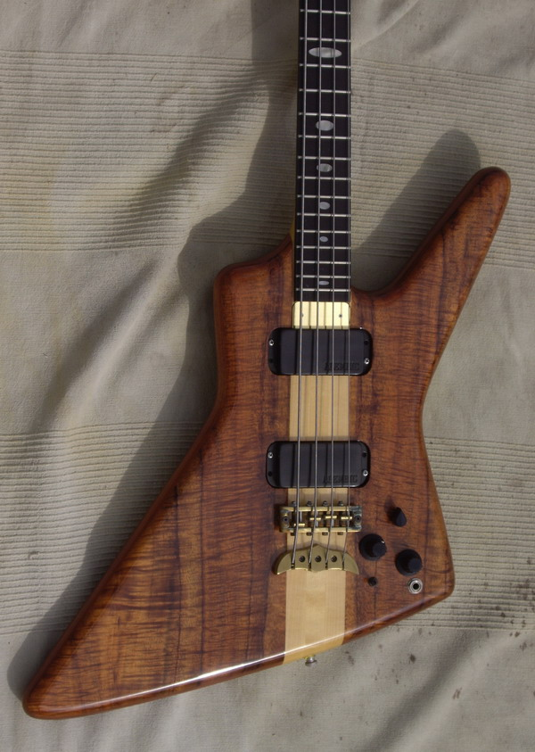 alembic exploiter john entwistle 1986 natural figured bass for sale hendrix guitars. Black Bedroom Furniture Sets. Home Design Ideas