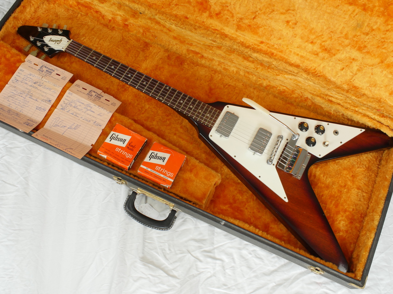 gibson flying v 1967 sunburst guitar for sale atoyboy guitars. Black Bedroom Furniture Sets. Home Design Ideas