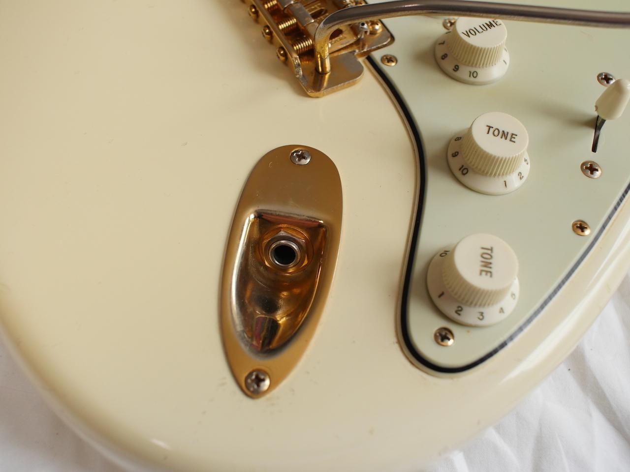 Fender Stratocaster 1963 Olympic White Gold Hardware