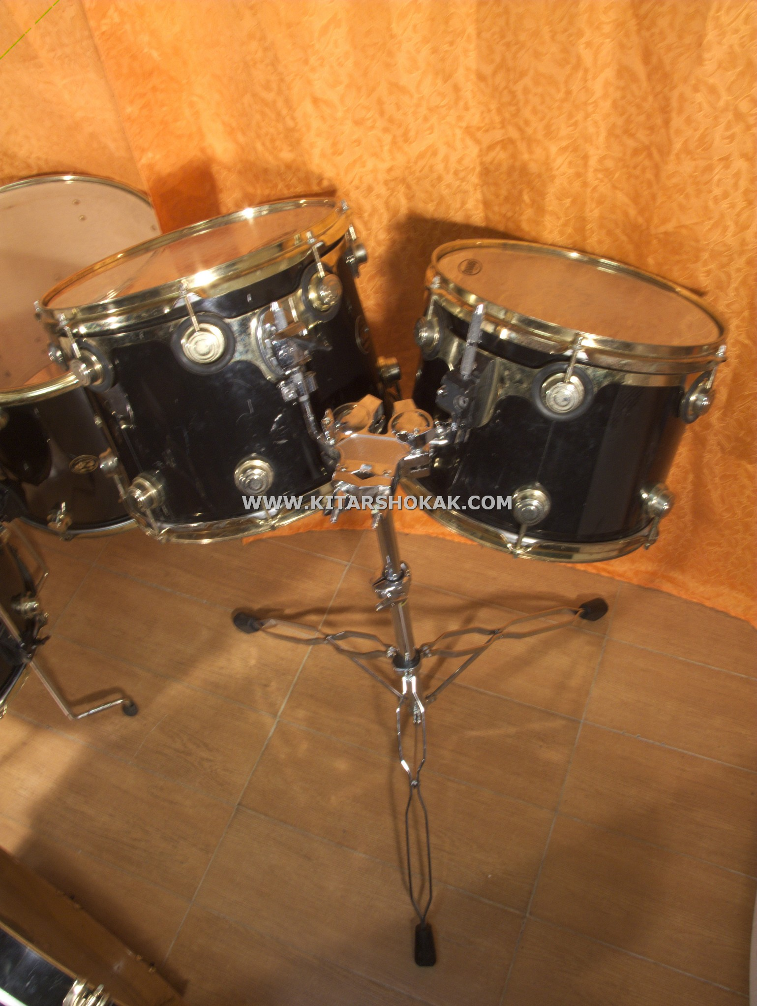 dw drum work shop collector s signed and pre owned by ministry 1996 black gold drum for sale. Black Bedroom Furniture Sets. Home Design Ideas