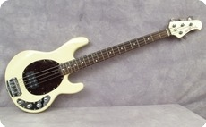 Musicman Stingray 2005 Buttercream
