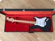 Fender-Stratocaster-1975-Black