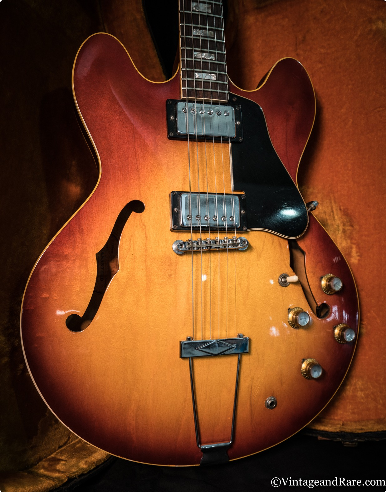 Gibson ES 335 1968 Sunburst Guitar For Sale