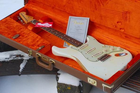 Čime bi  udarili forumaša iznad ? - Page 17 Fender-Stratocaster-Custom-Shop-62-Relic-2012-original
