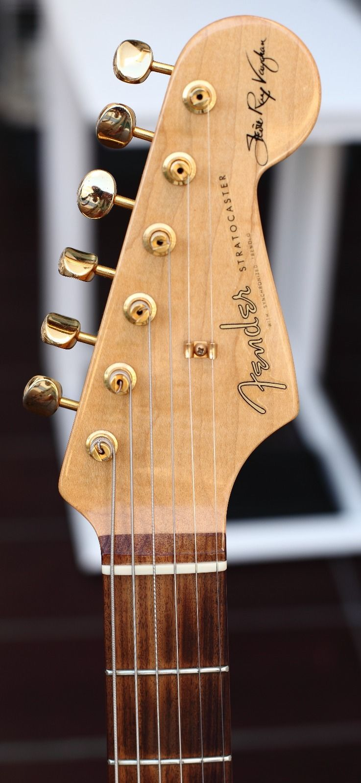 fender stratocaster srv 2002 sunburst guitar. Black Bedroom Furniture Sets. Home Design Ideas